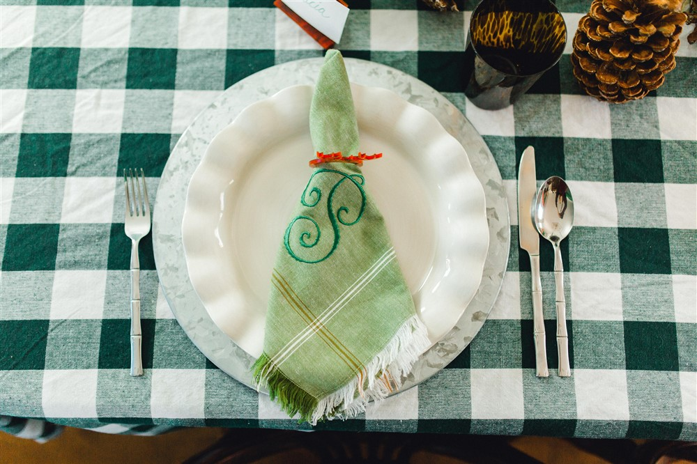 Woodsy Winter Table Setting