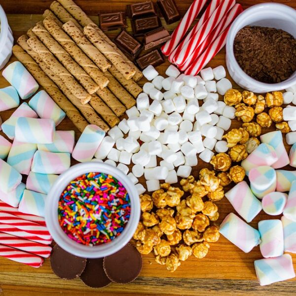 How to Make a Hot Cocoa Board